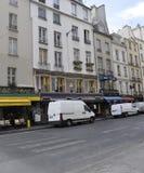 Paris Juli 17: Fasaddesign från Montmartre i Paris Arkivbild