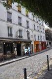 Paris Juli 17: Gatasikt från Montmartre i Paris Arkivbilder