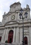 Paris Juli 19: Helgon Louis Church från det Marais området i Paris från Frankrike Arkivfoto