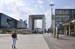 Paris Juli 16: Laförsvarplaza i Paris från Frankrike Arkivbild