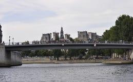 Paris, am 18. Juli: Pont-Saint Louis über der Seine von Paris in Frankreich Lizenzfreies Stockbild
