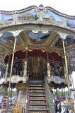 Paris, am 19. Juli: Schließen Sie herauf Karussell nahe Eiffelturm von Paris in Frankreich Lizenzfreie Stockbilder