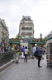 Paris Juli 19: Sikt för tunnelbanastation i Paris från Frankrike Royaltyfri Fotografi