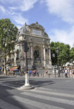 Paris Juli 18th: SpringbrunnSaint Michel från Paris i Frankrike Arkivfoton