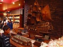 Chokladhus på det Paris stadsMontmartre området. 2012 06 19 Paris. Frankrike. Fotografering för Bildbyråer