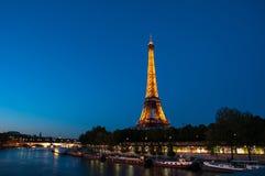 PARIS - 17. JUNI: Eiffelturm am 17. Juni 2010 in Paris Stockfotos