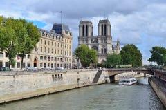 paris Kaj av floden Seine Arkivfoto