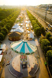 Paris-Karussell nahe Luftschlitz Stockfoto