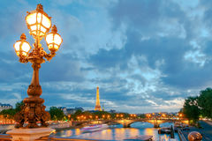 paris Lanternes sur le pont d'Alexandre III Photo stock