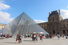Paris Le Louvre França Fotos de Stock