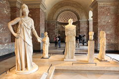 PARIS - MAJ 3: på Louvremuseet, Royaltyfri Bild