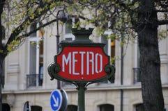 Paris-Metro-Zeichen Lizenzfreies Stockfoto