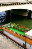Paris na łodzi zdjęcie royalty free