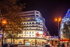 Paris na noite fotografia de stock