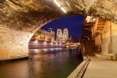 paris Notre Dame images stock
