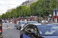 Paris, o 14 de julho: Avenida de Champs-Elysees no dia nacional em Paris de França Fotos de Stock