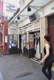 Paris, o 17 de julho: Lugar de Huchette do teatro de Paris em França Fotografia de Stock Royalty Free