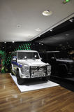 Paris, o 14 de julho: Mercedes Showroom na avenida de Champs-Elysees em Paris foto de stock royalty free