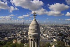 Paris och Eiffeltorn från långt Fotografering för Bildbyråer