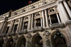 Paris-Opernhaus nachts Stockfotos