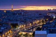Paris på solnedgången Arkivbilder