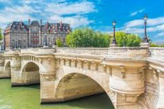 Paris Pont-Neuf royaltyfria foton