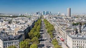 Paris - Porte Maillot et le district des affaires de la La Défense d'Arc de Triomphe images libres de droits