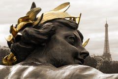 Paris posągów wieżę eiffel Obraz Royalty Free
