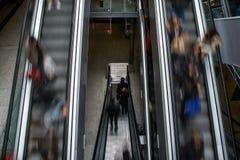 Paris - rulltrappa från det Gare helgonet Lazare Royaltyfria Bilder