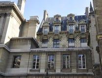 Paris, schönes historisches Gebäude Lizenzfreies Stockbild