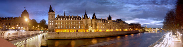 Paris Seine Conciergerie Royalty Free Stock Images