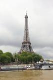 Paris_seine_eiffel torn Royaltyfria Foton