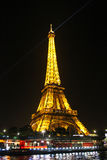 PARIS - SEPTEMBER 04: Ljus kapacitetsshow Arkivfoton