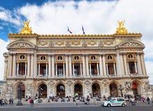 PARIS - SEPTEMBER 18: Palais eller opera Garnier & den nationella Acaden Fotografering för Bildbyråer