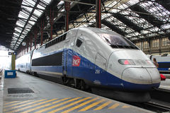 PARIS - 4. SEPTEMBER: Tgv-Hochgeschwindigkeitsfranzosezug Lizenzfreie Stockfotografie