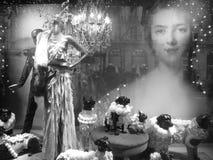 Paris shoppar fönstret royaltyfria bilder