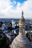Paris som ses från den Basilika de Sacre Coeur kyrkan Arkivbilder