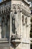 Paris - springbrunn av oskulden i fyrkantiga Jean XXIII Arkivfoton