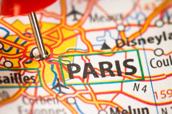 Paris sur une carte Photo libre de droits