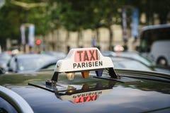 Paris taxi Arkivfoton