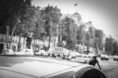 Paris taxi Royaltyfri Fotografi