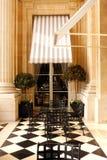 PARIS: Terrass i slotthotell Royaltyfri Bild