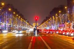 paris tuggar ljudlig elysees Royaltyfria Foton