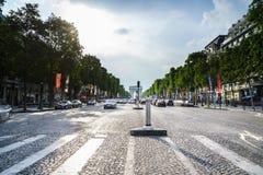 paris tuggar ljudlig elysees Fotografering för Bildbyråer