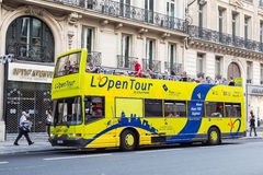 Paris turnerar bussen Fotografering för Bildbyråer