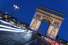 Paris vid natt royaltyfri foto