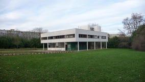 Paris - villa Savoye (den breda gårdsikten) Arkivbild