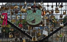 Paris - Vorhängeschlösser Stockfotos