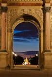 Pariser Grenzsteine nachts Lizenzfreie Stockfotografie