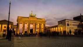 Pariser Platz e Brandenburger Tor Berlin stock footage